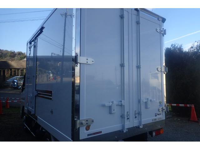 2t標準10尺冷蔵冷凍車 5速MT -30℃設定(4枚目)