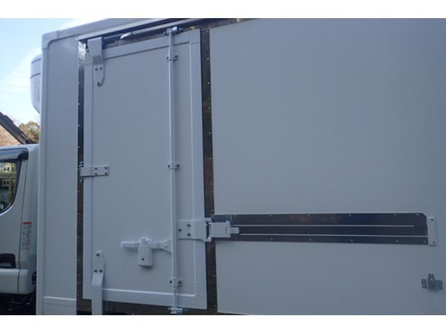 2t標準10尺冷蔵冷凍車 5速MT -30℃設定(12枚目)