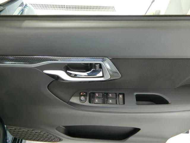 カスタム XリミテッドII SAIII 衝突被害軽減ブレーキ 横滑り防止装置 オートマチックハイビーム アイドリングストップ ステアリングスイッチ キーフリーシステム オートエアコン ベンチシート シートヒーター パノラマモニター LED(11枚目)