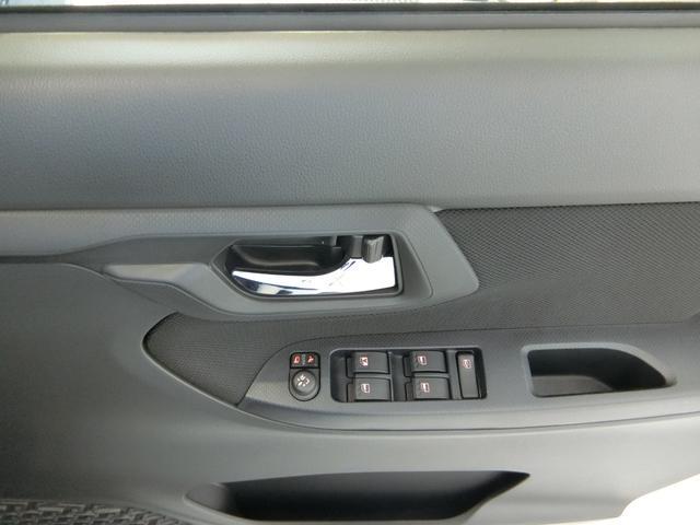 XリミテッドII SAIII 衝突被害軽減ブレーキ 横滑り防止装置 オートマチックハイビーム アイドリングストップ キーフリーシステム オートエアコン シートヒーター ベンチシート ステアリングスイッチ 革巻きハンドル(11枚目)