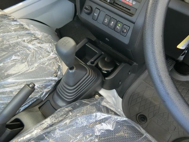 スタンダードSAIIIt 衝突被害軽減ブレーキ 横滑り防止装置 純正オーディオ バイザー マット パートタイム4WD フロア5速MT車 オートライト LEDヘッドランプ エアコン 手動式ウィンドウ 吸殻入れ サンバイザー(7枚目)