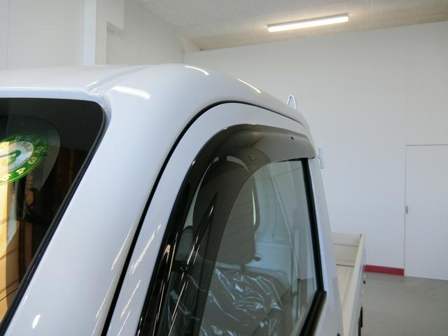 スタンダードSAIIIt 衝突被害軽減ブレーキ 横滑り防止装置 純正オーディオ バイザー マット パートタイム4WD フロア5速MT車 オートライト LEDヘッドランプ エアコン 手動式ウィンドウ 吸殻入れ サンバイザー(15枚目)