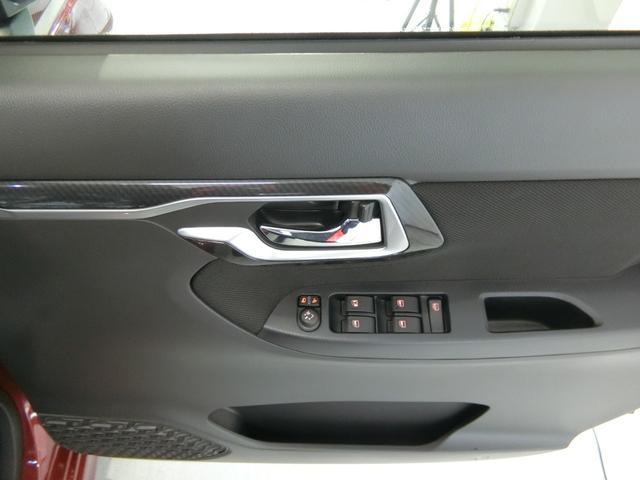 カスタム XリミテッドII SAIII 衝突被害軽減ブレーキ 横滑り防止装置 オートマチックハイビーム アイドリングストップ ステアリングスイッチ オートライト ベンチシート シートヒーター パノラマモニター キーフリーシステム LED(11枚目)