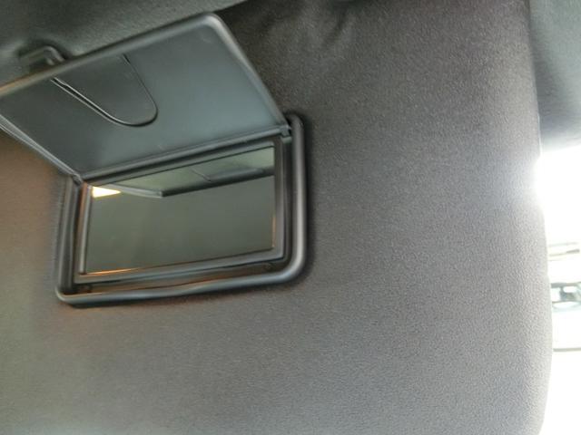 カスタムXセレクション 衝突被害軽減ブレーキ 横滑り防止装置 オートマチックハイビーム アイドリングストップ 両側電動スライドドア ステアリングスイッチ パークアシスト 純正ディスプレイオーディオ キーフリーシステム LED(32枚目)