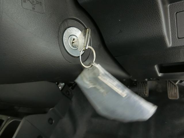 スタンダードSAIIIt 衝突被害軽減ブレーキ 横滑り防止装置 パートタイム4WD 5速MT車 バイザー マット 純正オーディオ エアコン エアバッグ 手動式ウィンドウ LEDヘッドランプ ライトマニュアルレベリング(8枚目)