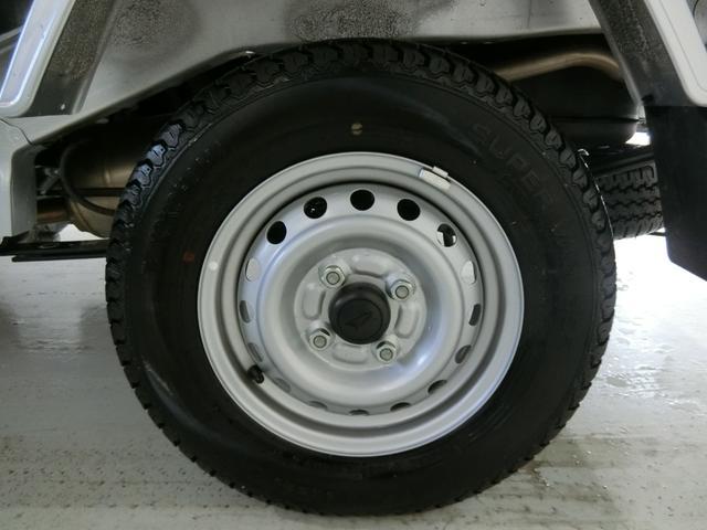スタンダードSAIIIt 衝突被害軽減ブレーキ 横滑り防止装置 パートタイム4WD 5速MT車 バイザー マット 純正オーディオ エアコン エアバッグ 手動式ウィンドウ LEDヘッドランプ ライトマニュアルレベリング(18枚目)