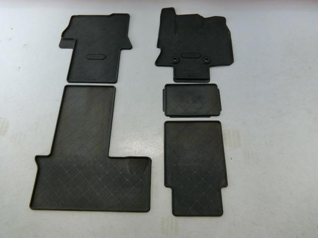 カスタムXセレクション 衝突被害軽減ブレーキ 横滑り防止装置 オートマチックハイビーム アイドリングストップ 両側電動スライドドア ステアリングスイッチ オートライト 純正ディスプレイオーディオ キーフリーシステム LED(26枚目)