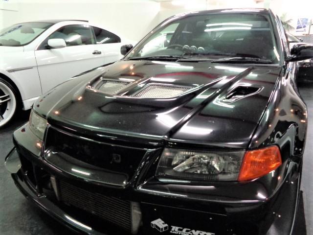 艶めいたブラックのマキネン仕様フルエアロボディ&クリアLEDヘッドライトが保管状態の良さを物語ります