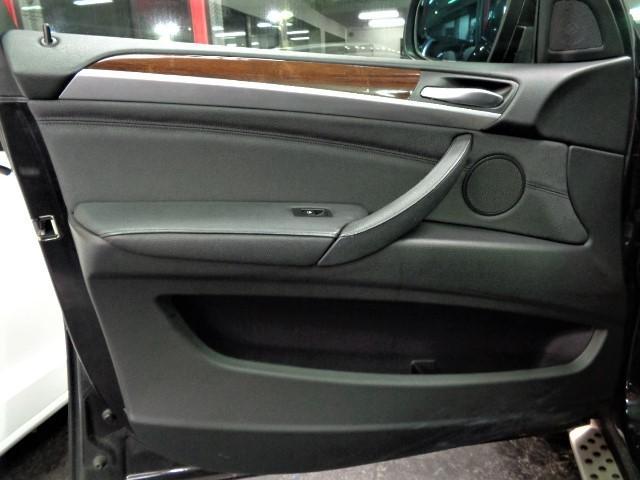 「BMW」「X6」「SUV・クロカン」「大阪府」の中古車24
