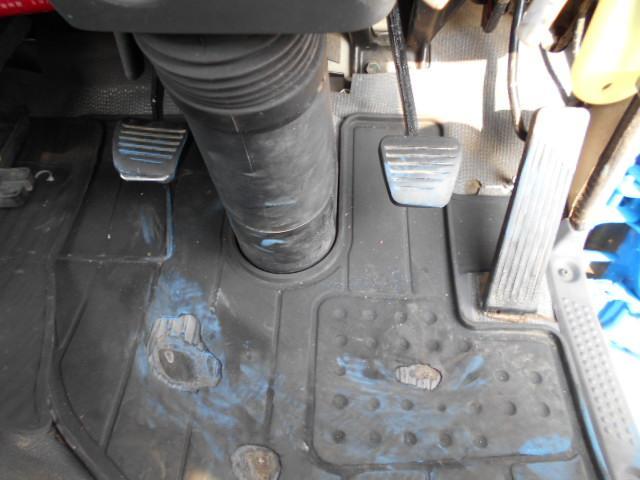 モリタエコノス製1800Lバキュームカー 上物点検整備済み(12枚目)