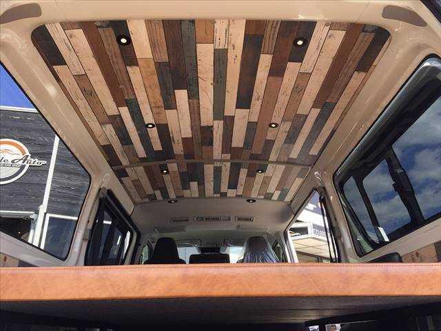 ロングDX ハイエース5ドア20車中泊サーフスタイル 6人乗り サーフスタイルベッドリアクーラーヒーター(13枚目)