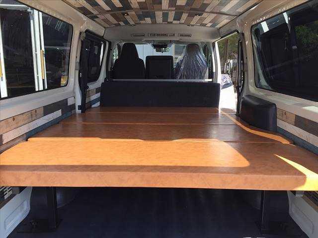 ロングDX ハイエース5ドア20車中泊サーフスタイル 6人乗り サーフスタイルベッドリアクーラーヒーター(14枚目)