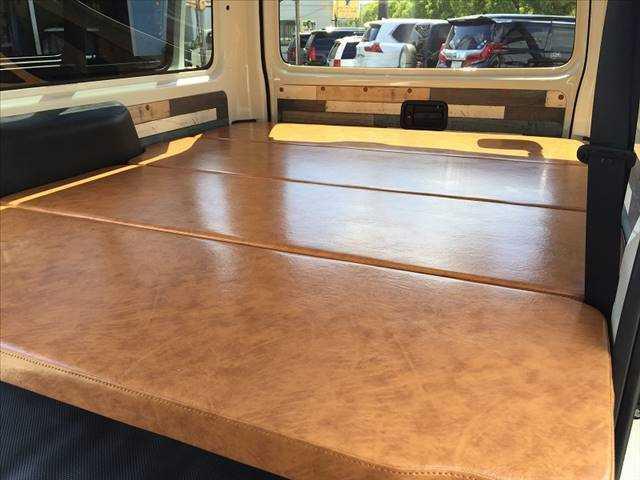 ロングDX ハイエース5ドア20車中泊サーフスタイル 6人乗り サーフスタイルベッドリアクーラーヒーター(15枚目)