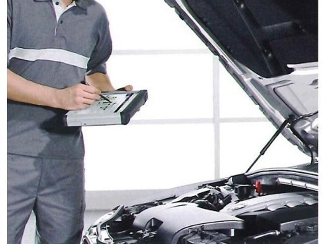Aパックでは納車前点検及び部品交換、調整・整備を行います。内容は、エンジンオイル・オイルフィルター・ブレーキオイル・エアコンフィルター・エアエレメント・バッテリー・ワイパーゴムの交換は必ず行います。