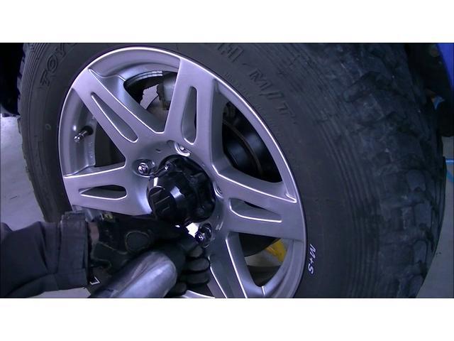 タイヤローテーションは基本中の基本です。ハンドリングの向上や、タイヤの編摩耗を抑え均等にタイヤを使用する事でタイヤが長持ちします。
