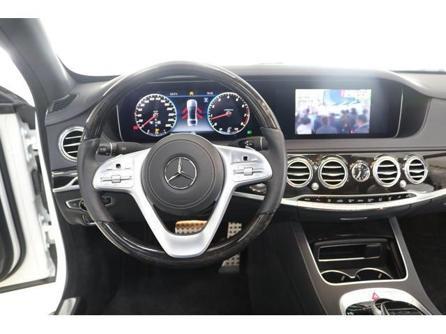 運転席まわりです!とても綺麗な車内です!
