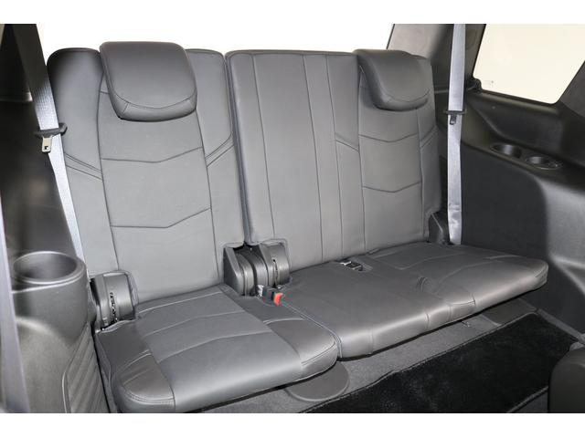 サードシートです!大変綺麗な状態です!大人も普通にのれます!