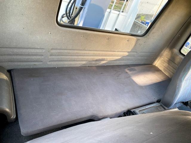 タダノ3段クレーン ベット付き 7.8ターボ 6速マニュアル サスペションシート 荷箱 長4630幅2120 最大積載量2700kg(25枚目)