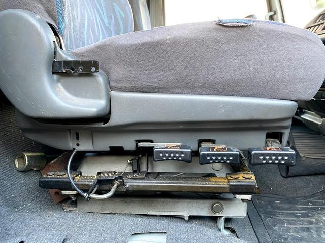 タダノ3段クレーン ベット付き 7.8ターボ 6速マニュアル サスペションシート 荷箱 長4630幅2120 最大積載量2700kg(36枚目)