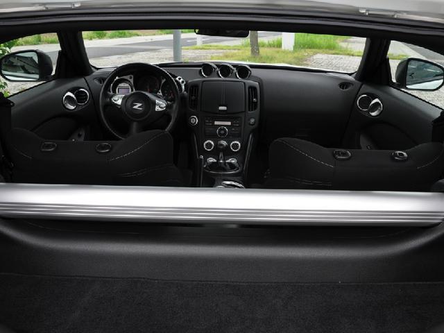 米国日産 フェアレディ 370Z 新車並行 左ハンドル 6速