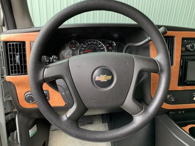 ベースグレード ロードトレック190 ヴァーサタイル 6L V8 FFヒーター ルーフエアコン 発電機 大型オーニング(16枚目)