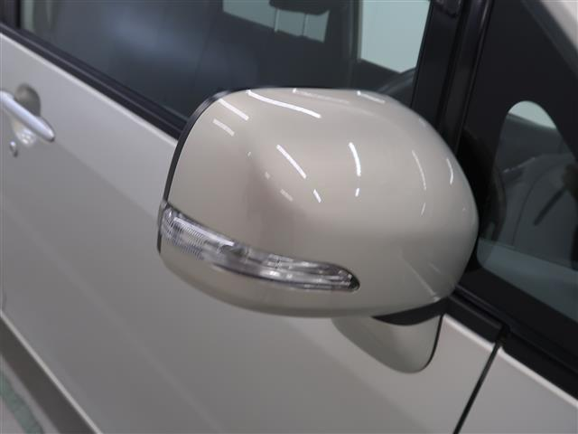 お洒落なウインカー付ドアミラーです♪お車の1つのステータスになりますよ!!