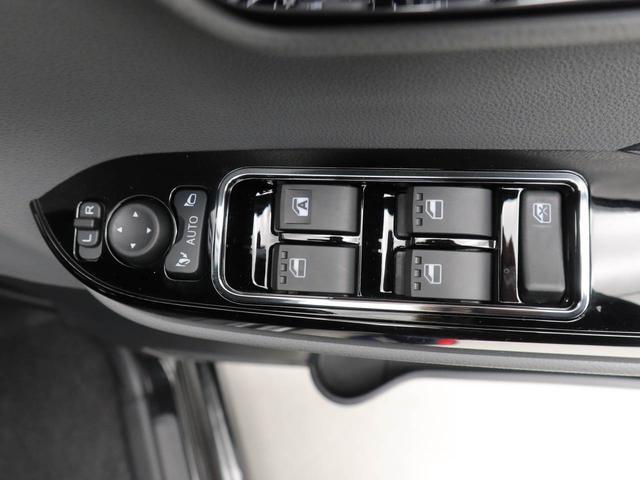 カスタムXセレクション 衝突被害軽減ブレーキ レーンアシスト スマートキー 両側スライドドア バックカメラ LEDヘッドランプ アルミホイール ワンオーナー(11枚目)