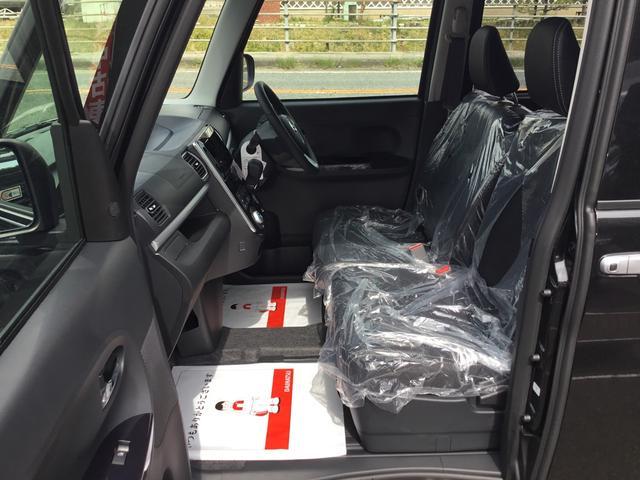 ドライブ中も会話の弾む快適室内空間を実現しました。エンジンノイズを低減する吸気系の最適化や防音材を使用。また、ダッシュパネルやカウルサイドの補強によりロードノイズも低減してます。