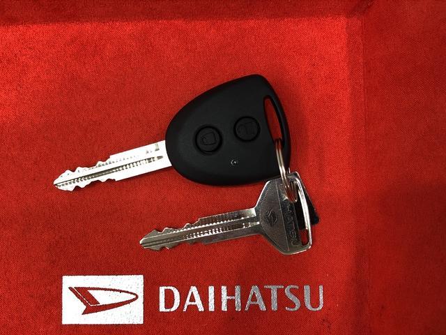 キーレスで携帯したままドアの施錠/解錠が出来る使い勝手の良いアイテムです。