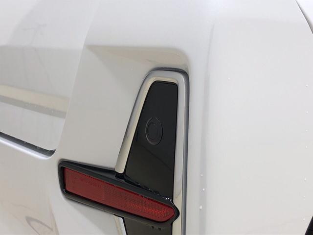 カスタムX バックカメラ ミラクルオープンドア LEDライト(32枚目)