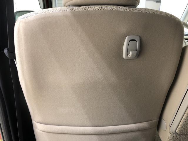 ☆助手席シートバックポケット☆ちょっとした小物類などが収納できるポケットが助手席後ろに付いています♪