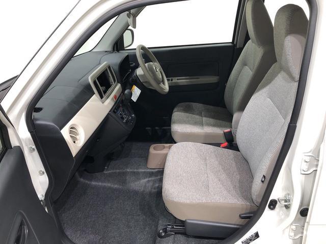 前席はセパレートシートでホールド性と座り心地もしっかり確保♪
