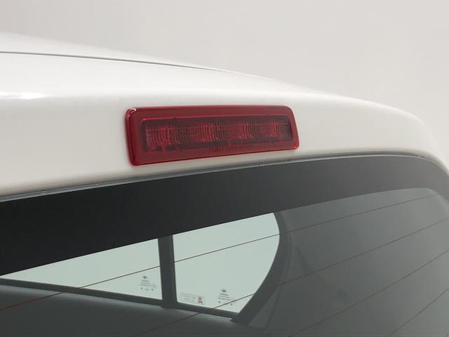 ハイマウントストップランプは後続車の視認性◎
