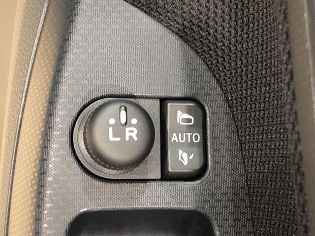 XリミテッドIISAIII LEDヘッドランプ オートライト 運転席/助手席エアバック キ-フリ-システム プッシュボタンスタ-ト セキュリティーアラ-ム オ-トハイビ-ム オ-トエアコン 14インチアルミホイ-ル(20枚目)