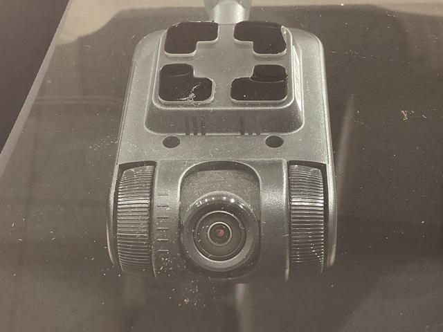 スポーツ ターボ SAII  衝突軽減ブレーキ搭載 LEDヘッドランプ・フォグランプ 15インチアルミホイール本革巻きステアリング(ステアシフト) オートライト プッシュボタンスタート セキュリティアラーム(7枚目)