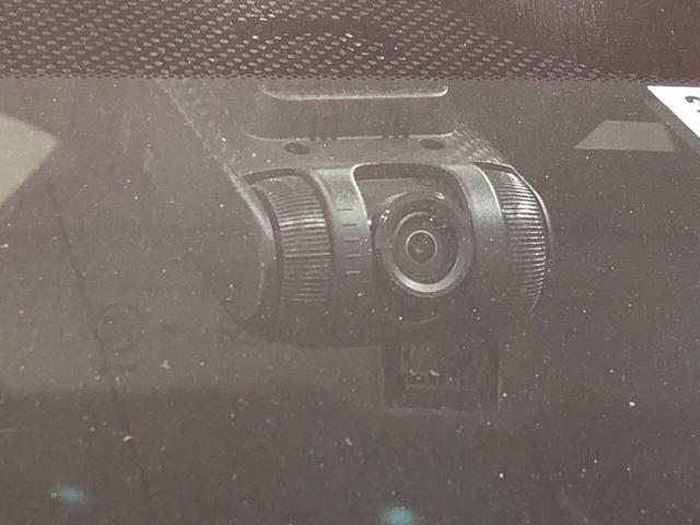 ハッチバック ホンダセンシング6MT ナビ ドラレコ ETC 運転席/助手席エアバック サイドエアバック キ-フリ-システム プッシュボタンスタ-ト 電動パ-キングブレ-キ オ-トエアコン(7枚目)