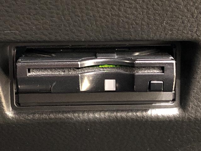 XS ナビゲーション ETC車載器 パドルシフト搭載 運転席/助手席エアバック サイドエアバック キ-フリ-システム プッシュボタンスタ-ト セキュリティーアラ-ム オ-トエアコン オ-トライト(6枚目)