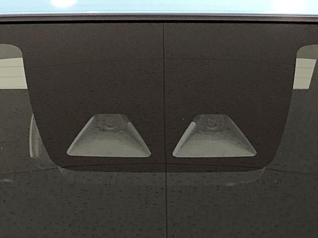 X SAIII LEDヘッドランプ 電動格納式ドアミラー付 CD/AM・FMステレオ オートライト オートハイビーム 前後コーナーセンサー 14インチフルホイールキャップ ツートンカラーインパネ 自発光式デジタルメーター(ブルーイルミネーション)(32枚目)