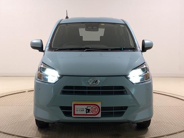 X SAIII LEDヘッドランプ 電動格納式ドアミラー付 CD/AM・FMステレオ オートライト オートハイビーム 前後コーナーセンサー 14インチフルホイールキャップ ツートンカラーインパネ 自発光式デジタルメーター(ブルーイルミネーション)(34枚目)