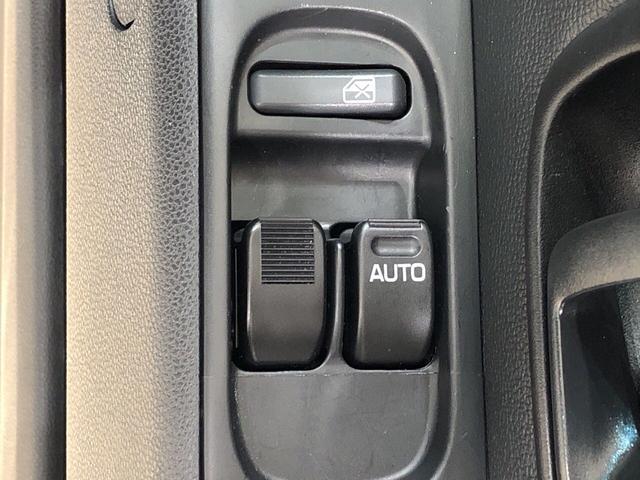 デラックスSAIII AM/FMラジオ 4WD キーレス LEDヘッドランプ トップシェイドガラス 荷室ランプ コーナーセンサー AM・FMラジオ(18枚目)