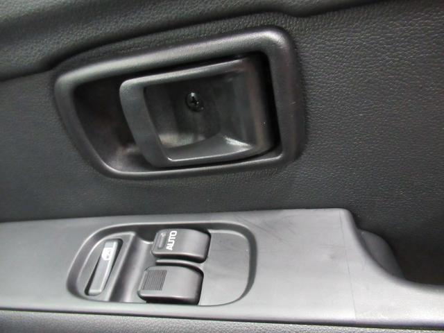 デラックス SA3 ラジオ 両側スライドドア オートライト キーレス アイドリングストップ(16枚目)