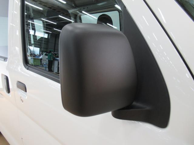 デラックス SA3 ラジオ 両側スライドドア オートライト キーレス アイドリングストップ 4WD(34枚目)