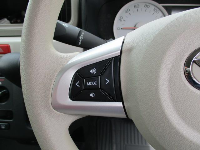 ハンドルにはスイッチが付いていてナビゲーションやオーディオ装着時にハンドルスイッチで操作出来ます