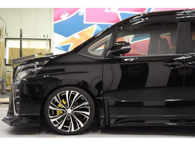 ZS 煌III 新車 ROJAMコンプリートカー 新品19インチAW 新品BLITZ車高調 ヴァレンティREVOテールランプ AVANTIリアガーニッシュ 両側電動スライドドア プッシュスタート 衝突軽減TSS付き(24枚目)