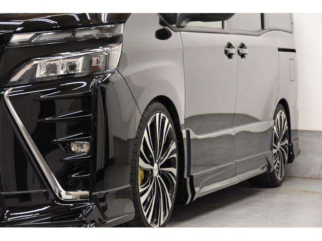 ZS 煌III 新車 ROJAMコンプリートカー 新品19インチAW 新品BLITZ車高調 ヴァレンティREVOテールランプ AVANTIリアガーニッシュ 両側電動スライドドア プッシュスタート 衝突軽減TSS付き(27枚目)