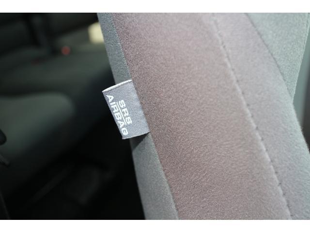 万一の時の安全装備、サイドエアバッグが備わっております。