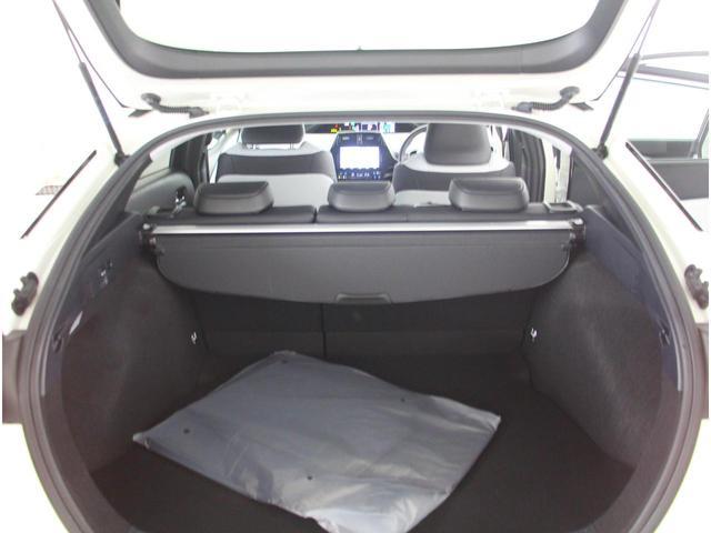 開口部が広く荷物が積みやすいです。