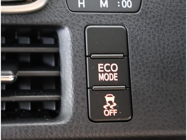 ナビゲーションディスプレイやスイッチ類をご紹介します。便利なハイテク機能が多数搭載されています。運転が楽しくなりますよ♪