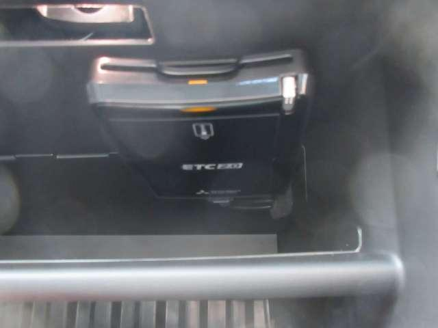 Gプレミアムパッケージ 電気温水ヒーター付き 元試乗車 革シート 衝突被害軽減ブレーキ、ETC2.0 パワーサウンドシステム 三菱認定中古車保証(10枚目)