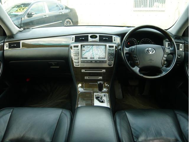トヨタ クラウンマジェスタ Aタイプ 20AW サスコン 黒本革